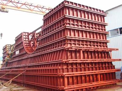 中铁大桥局神华准池铁路墩身模板